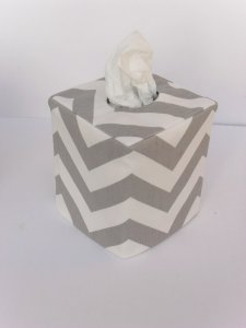 Chevron Tissue Holder