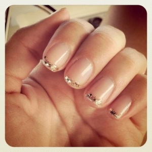 love this glittery mani for the holidays.