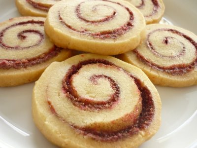 The Glitter Life Cinnamon Roll Cookies