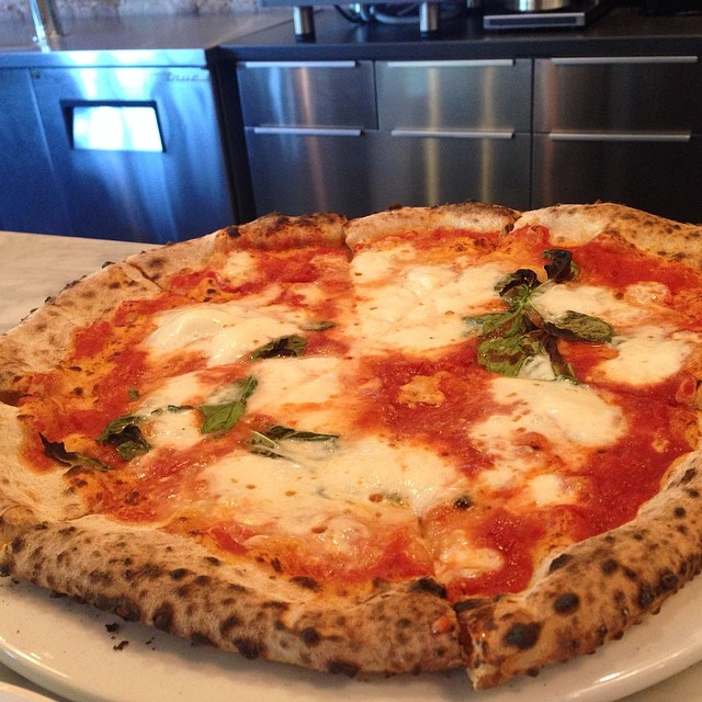 margherita for 3, please.