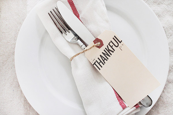 The Glitter Life Printable Thanksgiving Place Cards
