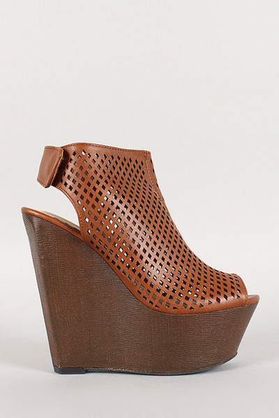 Shop Social Dish Daff Wedge
